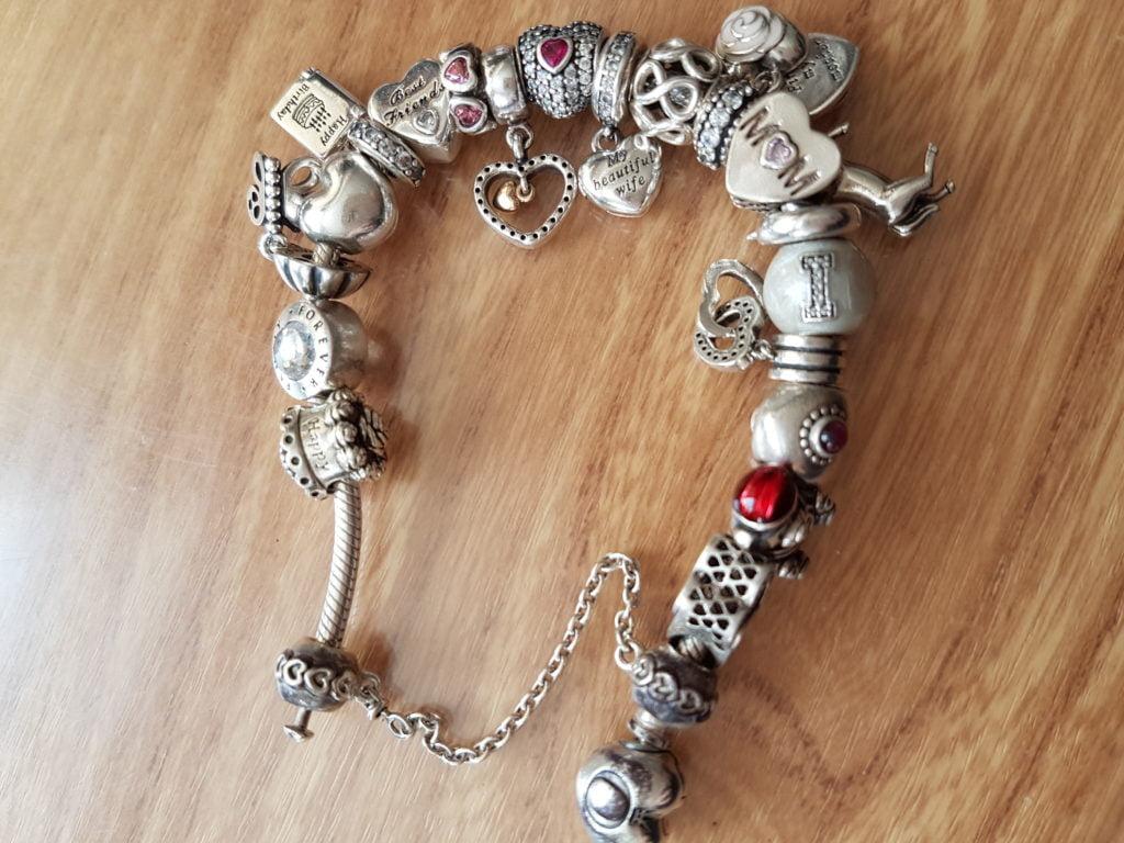 Pandora As Faulty As Their Bracelets Cazbarr